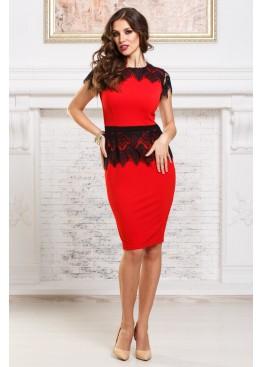 Платье-футляр коктейльное красное с черным кружевом