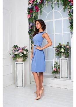 Платье небесно голубого цвета с расклешенной юбкой