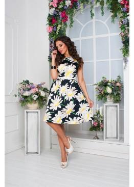 Платье летнее приталенное с пышной юбкой