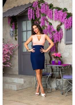 Платье приталенное нежно-розовое с синим