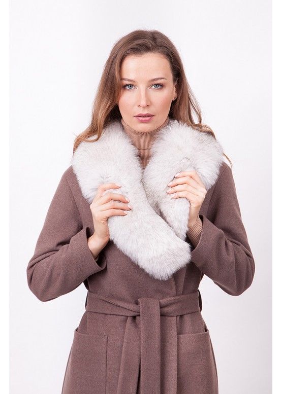 Пальто зимнее Агата с мехом белого песца
