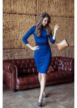 Платье-футляр классическое приталенное до колена ярко-синего цвета
