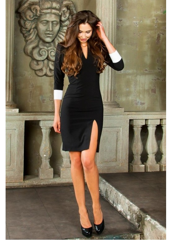 Платье черное классическое приталенное до колена с белыми манжетами