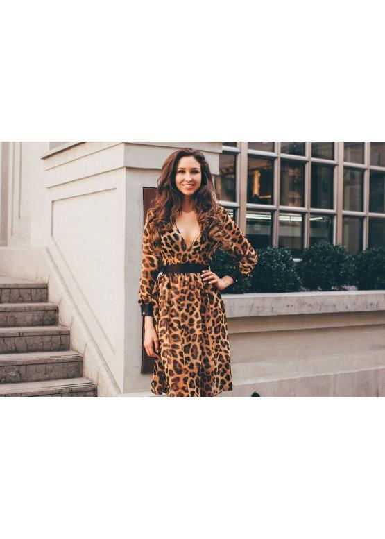Платье шелковое леопардовое приталенное с расклешенной юбкой