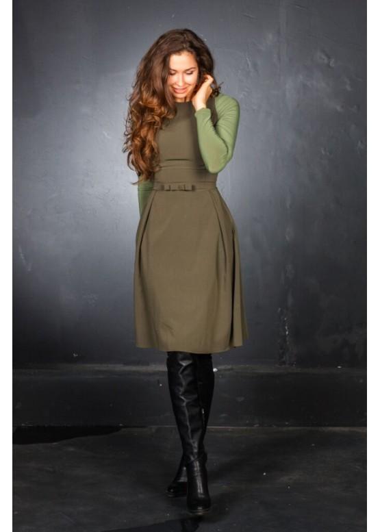 Платье с длинным рукавом приталенное с пышной юбкой зеленое
